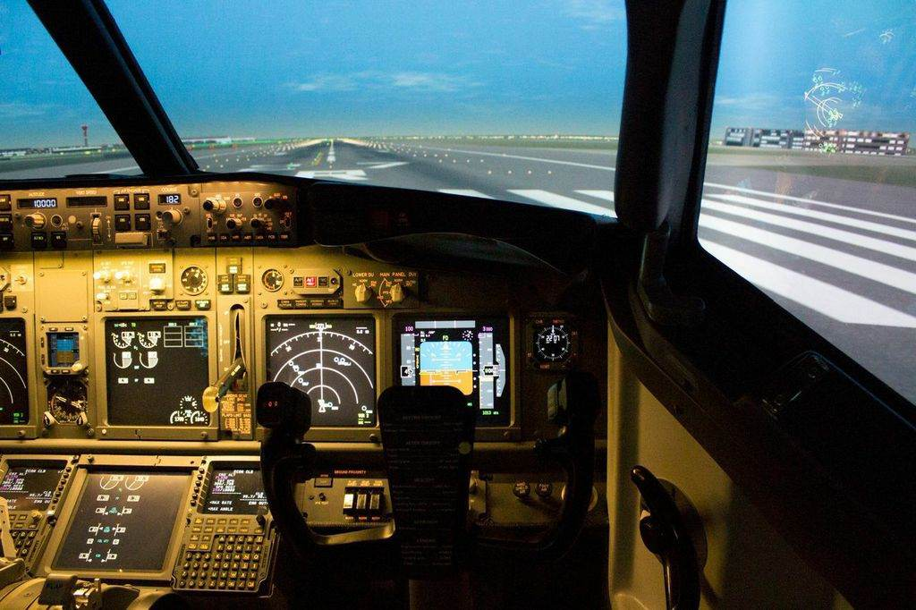 Trial flights in the AFTA B737-800 simulator